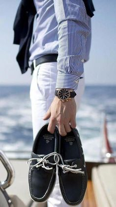 Boat shoes at the beach. Mode Outfits, Casual Outfits, Men Casual, Preppy Men, Preppy Style, Bcbg, Estilo Fashion, Nautical Fashion, Nautical Style