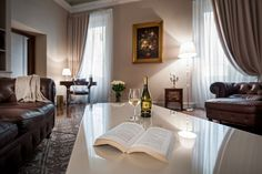 Discover how magical #autumn is in Verona by staying at Palazzo Victoria.  #verona #veneto #italy