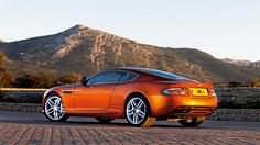Aston Martin Virage http://www.autorevue.at/best_of_test/modellvorstellung/schonheit-mit-trara.html