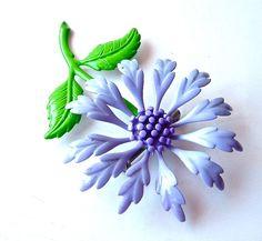 vintage daisy brooch 77