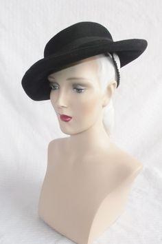 1930s Vintage Side Tilt Black Felt Hat Size 23 by MyVintageHatShop