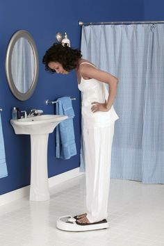 How to Lose the Last 5-10 Pounds | Happy Wives Club  http://www.happywivesclub.com/how-to-lose-the-last-5-10-pounds/#