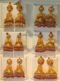 Gold Jhumkas by Khazana - Jewellery Designs Gold Jhumka Earrings, Gold Earrings Designs, Gold Jewellery Design, Antique Earrings, Gold Jewelry, Gold Designs, Fancy Jewellery, Jewellery Earrings, Indian Earrings