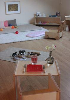 Some Beautiful Montessori Spaces . (how we montessori) Montessori Bedroom, Montessori Classroom, Montessori Toddler, Baby Bedroom, Kids Bedroom, Room Baby, Formation Montessori, Boy Girl Room, Church Nursery