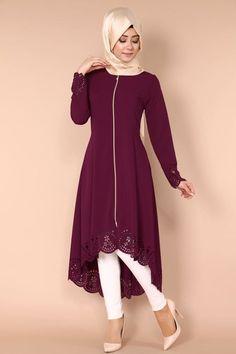 Lazer Kesim Peplum Kap Bordo Ürün kodu: AH2146-S--> 89.90 TL - Raya Ahmed - #AH2146S #Ahmed #Bordo #Kap #Kesim #Kodu #Lazer #Peplum #Raya #TL #ürün Islamic Fashion, Muslim Fashion, Modest Fashion, Fashion Dresses, Hijab Style Dress, Hijab Chic, Hijab Evening Dress, Modele Hijab, Abaya Fashion