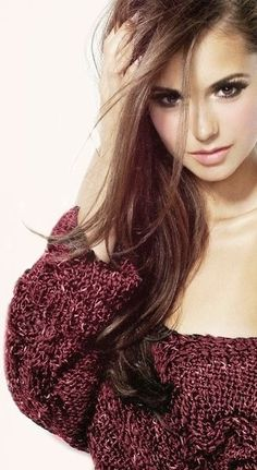The sweater, the hair, the makeup...Nina Dobrev ♥