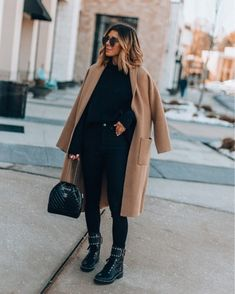 Studded combat boots (tts) // chic winter outfit // camel coat // winter outfit inspiration Source by eisnerellen outfits chic Casual Winter Outfits, Winter School Outfits, Winter Outfits For Teen Girls, Winter Boots Outfits, Winter Outfits Women, Winter Outfits For Work, Spring Outfits, Autumn Outfits, Look Fashion