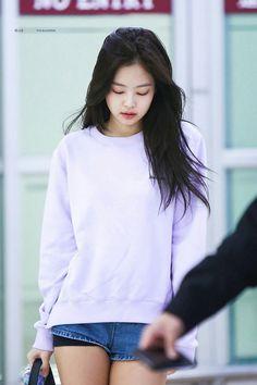 BLACKPINK Jennie at Gimpo Airport
