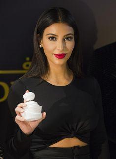 Kim Kardashian - Makeup Looks Orange Khloe Kardashian, Kim Kardashian Eyebrows, Kardashian Beauty, Kardashian Fashion, Kris Jenner, Kendall Jenner, Kylie, Orange, Bridal Makeup