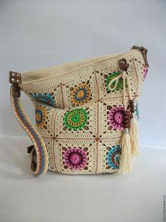 Купить или заказать вязаная сумка-торба, бабушкин квадрат в интернет-магазине на Ярмарке Мастеров. Яркая, стильная и очень удобная сумка на каждый день. Сумка связана крючком из 100% мерсеризованного хлопка популярными мотивами 'бабушкин квадрат'. Отделка (донышко, ремень) выполнена из качественной натуральной итальянской кожи красивого каштанового цвета, отлично гармонирующего с цветом пряжи. Все швы по коже выполнены вручную. Кожаные держатели ремня крепятся к сумке хольнитенами&amp...
