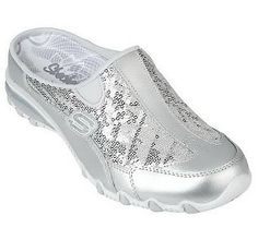 These Sketchers shoes are sooo comfy.wear forever & sparkle Barbie has nothin' compared to these babies! Cute Shoes Boots, Shoe Boots, Shoes Sandals, Heels, Sketchers Shoes, Glitz And Glam, Skechers, Fashion Outfits, My Style