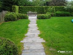 19 Exciting Garden Path Designs Ideas On A Budget - New ideas Stone Garden Paths, Garden Stones, Path Design, Garden Design, Front Path, Home And Garden, Garden Fun, Amazing Gardens, Grass