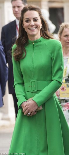Kate Middleton and Prince William visit Chelsea Flower Show for the first time | Daily Mail Online