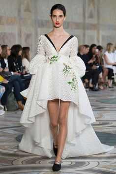 Défilé Giambattista Valli Haute couture automne-hiver 2017-2018 22