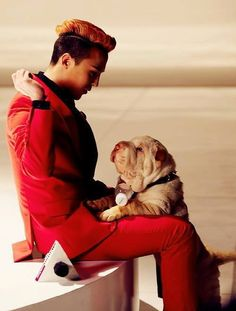 a puppy! and theres a dog, too :) #gdragon