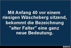 Mit Anfang 40 vor einem riesigen Wäscheberg sitzend.. | Lustige Bilder, Sprüche, Witze, echt lustig