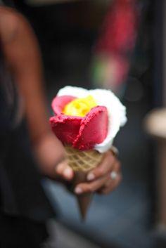 Gelato on a hot day. Wish I was in Italy! Ice Cream Flower, Ice Cream Art, Gelato Ice Cream, Chocolates, Italian Ice Cream, Frozen Treats, Italian Recipes, Sweet Tooth, Food Photography