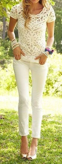 1658591987518144452685 All White // Lace Top  Skinnies