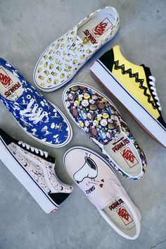Vans Shoes, Sneakers, Old Skool & Skate Shoes Vans Sneakers, Sneakers Fashion, Fashion Shoes, Sock Shoes, Flat Shoes, Vetements Shoes, Custom Vans Shoes, Cute Vans, Disney Shoes