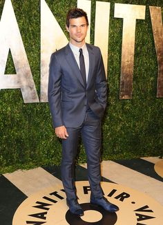 Taylor Lautner - Gala de Vanity Fair en la noche de los Oscares 2013  - Taylor Lautner