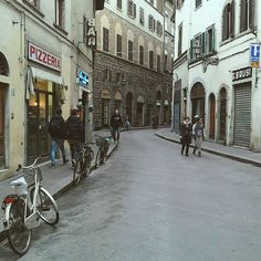 Firenze Via dei Neri #igersfirenze #igerstoscana #ig_italy #instaitalia #whatitalyis #welltravelled #tripgoviews #natgeotravel #beautifuldestinations #huntgram #huffingtonpost #huffpostgram #huntgramitaly #folkmagazine #folkitaly #streetphotography #rsa_urban #urbanromantix #rsa_streetview #strideby by gaetanocamano