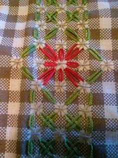 Chicken Scratch Patterns, Chicken Scratch Embroidery, Blackwork Cross Stitch, Cross Stitch Patterns, Ribbon Embroidery, Embroidery Stitches, Mini Album Tutorial, Girl Scout Crafts, Drawn Thread