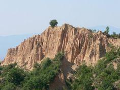 Мелнишки пирамиди Rosen Monastery