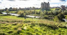 Trim Castle Is A Large Norman Castle On The South Bank Of The River Boyne In Trim, County Meath, Ireland. -  #infomatique