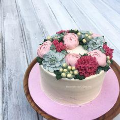 Buttercream Flower Cake http://thesweetspot.com.my/?p=8368