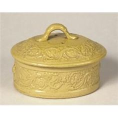 century english yellow ware covered box… - Ritchies Auctioneers and Appraisers Vintage Bowls, Vintage Dishes, Vintage Kitchen, Antique Pottery, Antique Decor, Stoneware Crocks, Earthenware, Kitchen Yellow, English Pottery