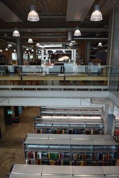 Bøger i Dybet og aktiviteter på gadeplan. Et moderne forsamlingshus og byens kulturhus - Biblioteket i Herning/ Herning Bibliotekerne.