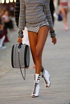 BLACK & WHITE Delight! Chanel Cruise Wear