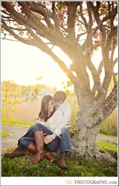 Branford CT Engagement Shoot with HK Photography | CT Engagement Photo Ideas