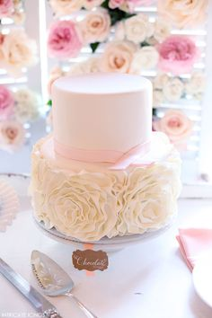 Vintage Rose Cake Display | by Intricate Icings | #PinkWeek on TheCakeBlog.com