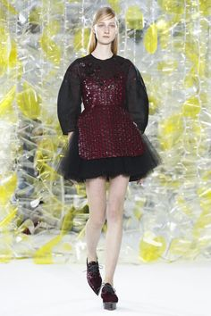THE LIVESTREAM OF THE DELPOZO FALL/WINTER 2016 READY-TO-WEAR SHOW HERE.