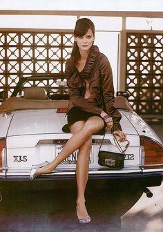 Carmen Kass on a Jaguar XJS by Patrick Demarchelier Chevy Camaro, Chevelle Ss, Carmen Kass, Classy Cars, Sexy Cars, Bugatti Veyron, Bobber, Glamorous Chic Life, Jaguar Xj