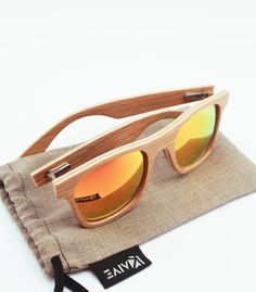 Our wooden sunglasses come with polarized lenses.