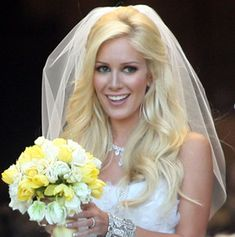 hair down with veil - heidi montag hair worn down with long loose waves and pulled back from one side