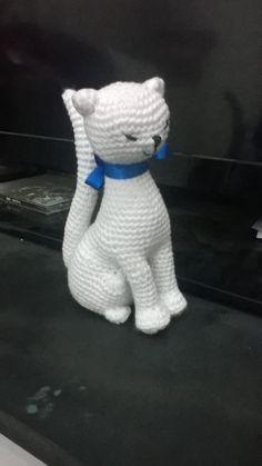 Neko Atsume – Amigurumi Sweet Cats [Free Pattern] (With images) Crochet Dog Patterns, Crochet Bunny Pattern, Cat Crochet, Crochet Geek, Crochet Hedgehog, Braided Rag Rugs, Cat Crafts, Stuffed Animal Patterns, Dinosaur Stuffed Animal