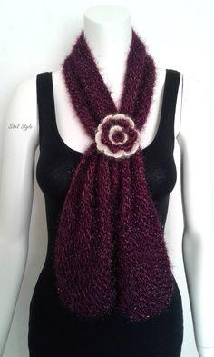 665971ea4a2 Echarpe pendentif tube tricot fait main tour de cou cache col foulard fleur  rouge bordeaux prune idée cadeau elle femme anniversaire noël.