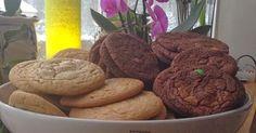Ramlade över ett recept på Subway kakor på baka.se. Var tvungen att testa dem såklart. De ljusa lämnade jag bort kakaon och slängde ner ...