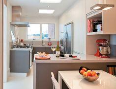 Altura para bancada de cozinha e bancada para cooktop 90cm.
