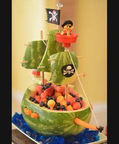 Watermelon carving perfect for pirate fairy party. haha this would be awesome! Pirate Fairy, Pirate Life, Watermelon Carving, Watermelon Boat, Pirate Ship Watermelon, Watermelon Centerpiece, Carved Watermelon, Watermelon Ideas, Food Humor