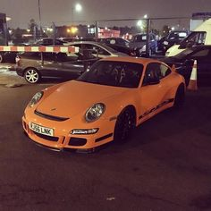 Can't wait till the last Monday of the month @acecafelondon #theunionandco #unionandcodetailing #porsche #porsche911 #porschegt3rs #porsche911gt3rs #porsche997gt3rs #911 #orange #orangeandblack