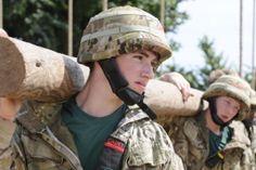 Commando School Commando School Behind-the-scenes at the Royal Marines' Commando Training Centre in Devon Military Trends, Military News, Military History, British Royal Marines, British Army, British Royals, The Blitz Ww2, Marine Commandos, Military Videos
