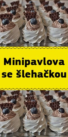Mini Pavlova, Raw Cake, Oreo Cupcakes, Low Carb Recipes, Cake Recipes, Food And Drink, Breakfast, Fotografia, Low Carb