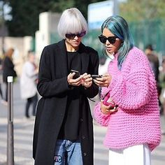 @lindatol_ & @carolabernard during Paris Fashion Week! Wool boxy represent…