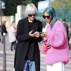 @lindatol_ & @carolabernard during Paris Fashion Week! Wool boxy represent…