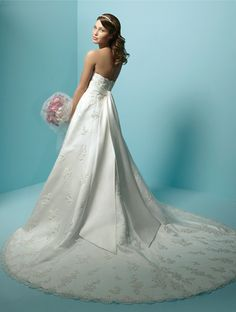 don't know if I'll be able to find this dress when the time comes, but I loved how it looked...
