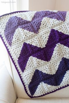 See how to make this unique chevron afghan using granny squares! Includes free pattern and a video tutorial.    www.1dogwoof.com